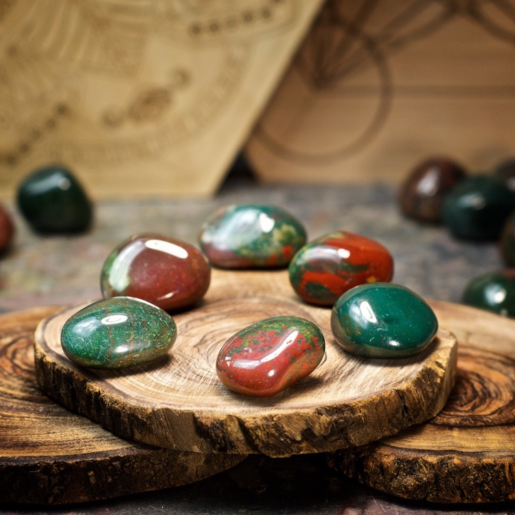 Bloodstone Crystals for Grids from Healing Stones for You