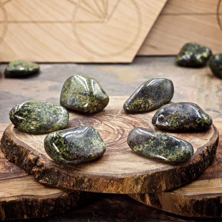 Nephrite Jade Crystals for Grids